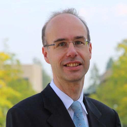 Dr. Emiel Maasland
